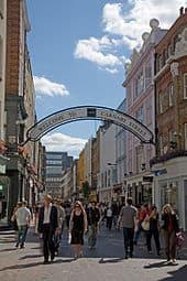 170px-Carnaby_Street_London_-_September_2006