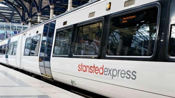 La tratta Stansted- centro di Londra è servita dal treno navetta Stansted Express