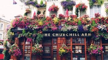 The Curchill Arms, uno dei più bei pubs di Londra