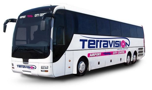 Da e per l'aeroporto di Stansted al Centro di Londra con il bus navetta Terravision